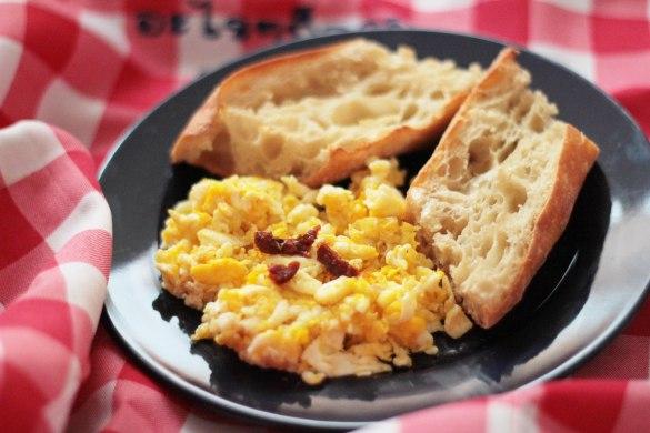 scrambled eggs oeufs brouilles